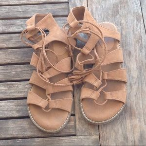 Like new old navy suede gladiator sandals